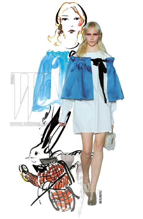 잔혹 동화를 연상케하는 이번 시즌의 미우미우 에선 앨리스 특유의 드레스를 2012 S/S 버전으로 재해석한 룩을 만날 수 있다.