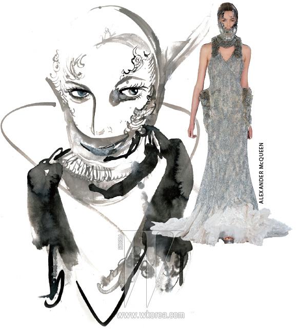 알렉산더 매퀸의 후계자 사라 버튼의 상상력과 쿠튀리에로서의 자질이 엿보이는 이번 시즌 이브닝드레스는 눈의 여왕이 고수하는 판타지 룩을 그대로 닮았다.