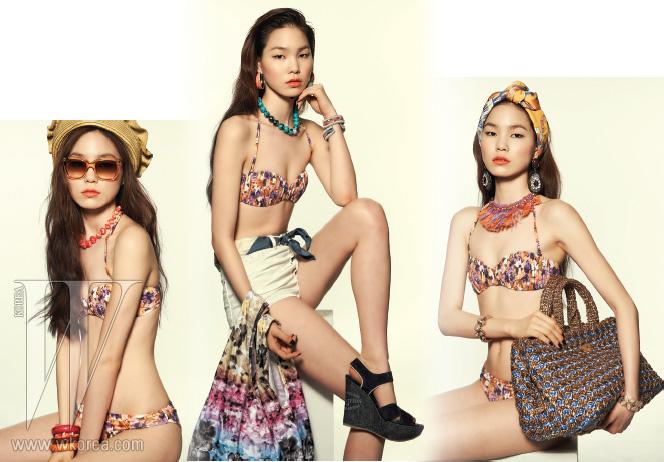 수채화 같은 서정적인 꽃무늬가 담긴 비키니는 H&M 제품. 톱 1만9천원, 브리프 1만7천원.