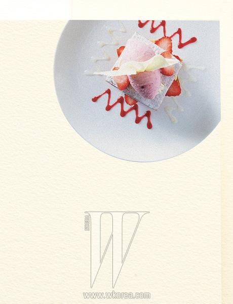 비스위트온 '딸기 밀푀유'