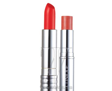 (좌) 롱 라스트 립스틱 0A 런웨이 코럴 4g, 2만7천원.(우) 블러쉬 웨어 크림 스틱 03 로지 블러쉬 6g,3만4천원대.
