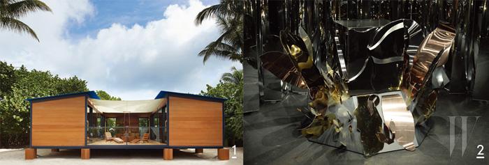 1. 건축가 샤를로트 페리앙이 루이 비통과 함께 탄생시킨 '물가 위의 집'. 2. 눈부시게 반짝이는 메탈릭 텍스처가 돋보이는 마리아 퍼게이의 구조적인 설치 작품.