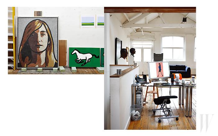 더블유가 직접 찾아가 만났던 지난여름 오피의 런던 아틀리에 전경. 왼쪽 포트레이트 작업은 그가 요즘 새롭게 시도하고 있는 로마 모자이크 스타일이며, 오른쪽은 작업실 오피의 자리다.