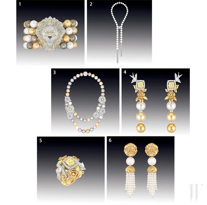 1. 2백19개의 브릴리언트 컷 다이아몬드가 세팅된 사자 모양의 펜던트와 62개의 타이티&남양진주로 이어진 라이온 바로크 브레이슬릿. 2. 1천9백16개의 브릴리언트 컷 다이아몬드, 16개의 페어 컷 다이아몬드, 4개의 쿠션 컷과 마르퀴즈 컷 다이아몬드가 47개의 남양 진주로 이어진 클래식한 뻬르 드 쥬르 목걸이. 3. 7백12개의 브릴리언트 컷 다이아몬드, 9개의 마르퀴즈 컷과 6개의 멀티 컬러 사파이어가 세팅된 까멜리아 펜던트가 38개의 타이티와 일본산 진주로 연결된 프렝땅 드 까멜리아 목걸이. 4. 2개의 래디언트 컷 옐로 다이아몬드와 마르퀴즈 컷 화이트 다이아몬드, 페어 컷 옐로 다이아몬드가 세팅된 펜던트와 버마산과 인도네시아 진주로 연결된 엉볼레 솔레일 귀고리. 5. 래디언트와 마르퀴즈 컷 다이아몬드, 68개의 브릴리언트 다이아몬드가 세팅된 엉볼레 솔레일 반지. 6. 2개의 남양진주와 1백60개의 일본산 진주가 드롭형으로 디자인된 라이온 골드 귀고리.