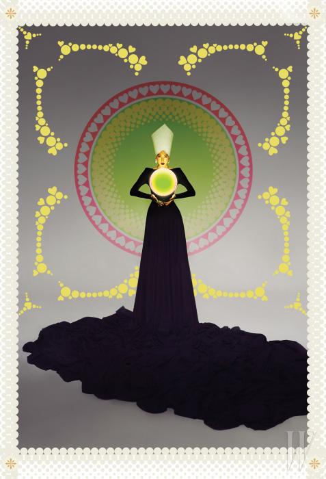 검정 오프 숄더 드레스는 Plein Sud by 21 Defaye, 크리스털 귀고리는 Chanel, 눈 모티프 크리스털 반지는 Fendi 제품.
