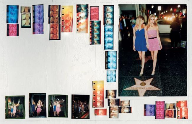 샬롯 프리가 입은 파란색 원숄더 실크 드레스, 뱀가죽 소재 펌프스, 조지아 메이 재거가 입은 분홍색 비즈 장식 드레스와 벨트, 펌프스 모두 Saint Laurent by Hedi Slimane, 주얼리는 Rodarte 제품.
