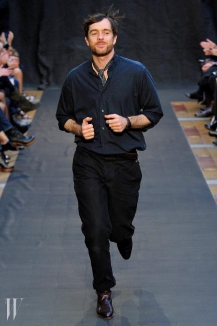 2015 S/S 컬렉션을 마지막으로 에르메스를 떠나는 크리스프트 르메르.
