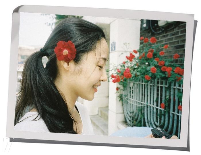 SM엔터테인먼트의 비주얼&아트 디렉터 민희진. f(x)의 크리스탈이 찍어서 선물한 사진이다.