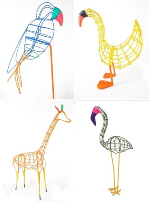 콜롬비아 여성들이 만든 메탈과 PVC 소재의 동물 모형. 앵무새, 플라밍고, 오리, 당나귀, 기린 등 다양한 동물들을 만날 수 있다.