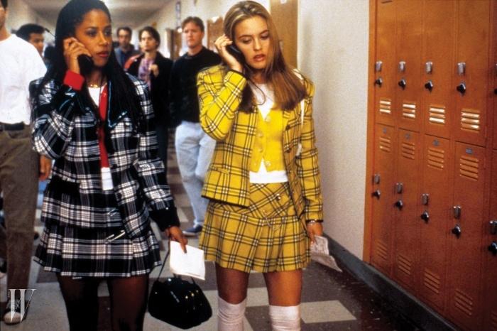 알리시아 실버스톤 주연의 90년대의스쿨걸 룩을 만끽할 수 있는 영화 <클루리스>.