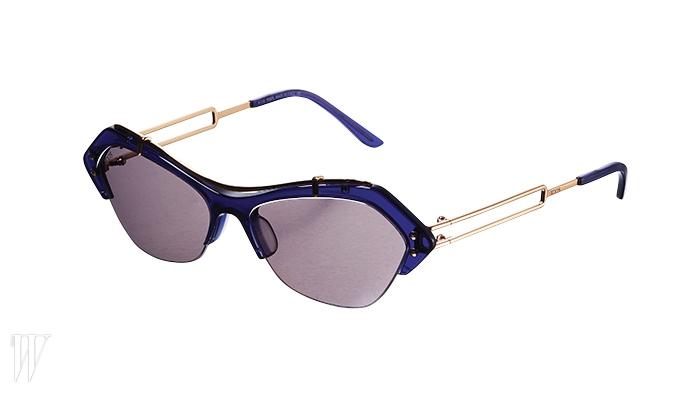 TOD'S 메탈 템플이 특징인 선글라스. 가격 미정.