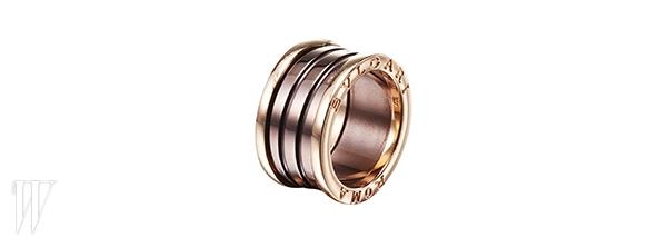BVLGARI 불가리의 로고가 큼직한 반지. 1백만원대.