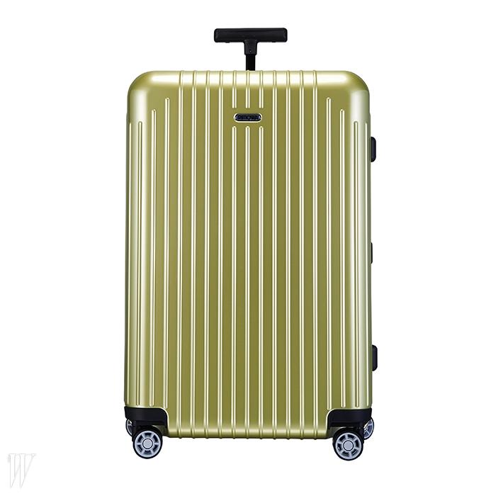 RIMOWA 금색이 고급스러운 27인치 여행용 캐리어. 71만원.