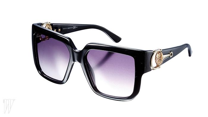 GUCCI BY SAFILO 템플에 금속 장식을 가미한 선글라스. 가격 미정.