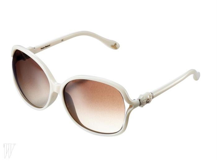 VIVIENNE WESTWOOD BY DARI F&S곡선이 아름다운 선글라스. 30만원대.