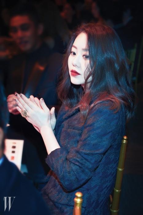 <Love Your W> 행사 취지에박수를 보내는 배우 고현정.