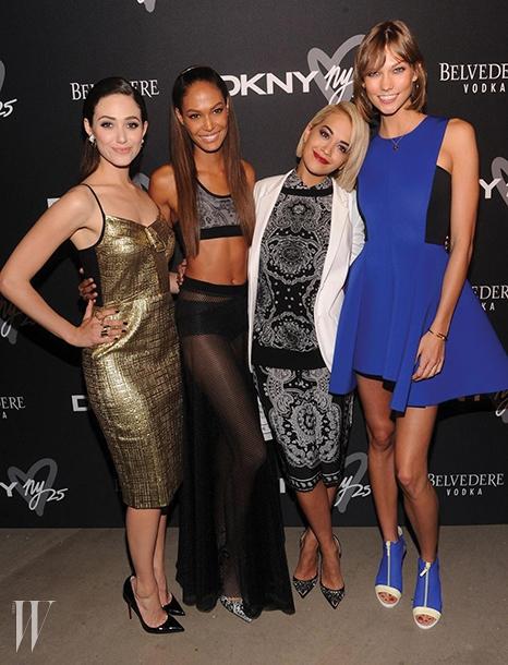 DKNY 25주년뉴욕을 상징하는 DKNY가올해로 스물다섯 살이되었다. 2014 F/W패션위크 기간에는 이를기념해 리타 오라의 특별공연을 담은 흥겨운파티를 개최했다.
