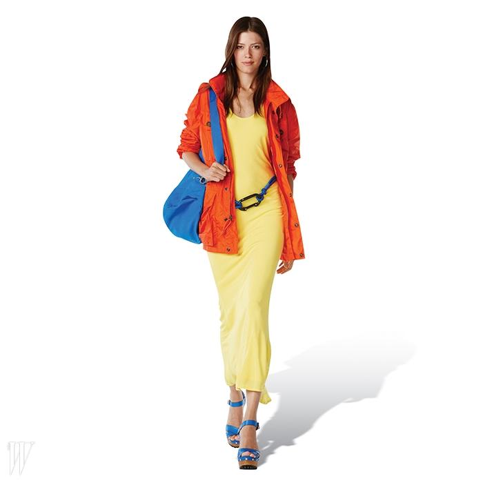 폴로 우먼젊고 쿨한 여성을위한 캐주얼 룩의비전을 보여주는폴로 포 우먼라인의 론칭과 뉴욕5번가의 플래그십스토어 오픈을기념해센트럴파크에서환상적인 4D패션쇼를 열었다.