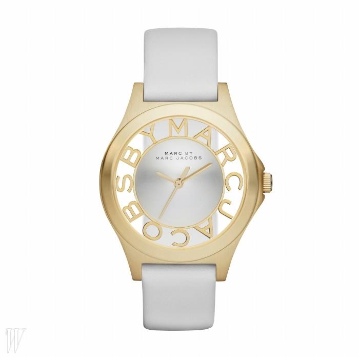 MARC BY MARC JACOBS BY FOSSIL 투명한 다이얼이 멋진 화이트 밴드 손목시계. 38만원.