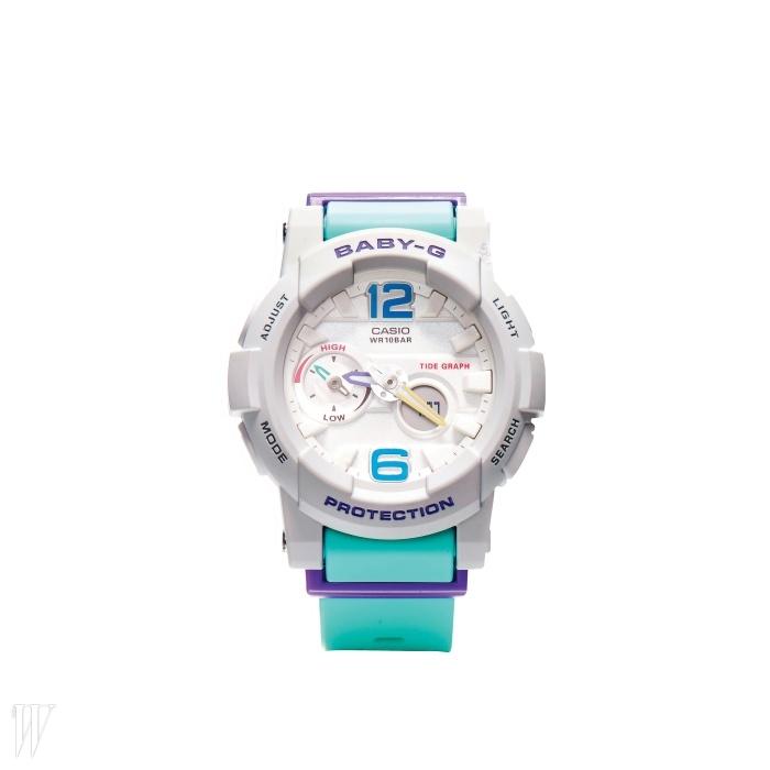 산뜻한 컬러의 스포츠 시계는 BABY-G.18만원.