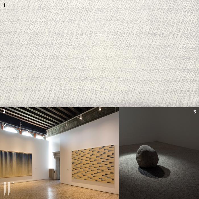 1.박서보 '묘법 No.89-79-82-83'1983. 마대에 연필.2,3.이우환의 작업은70년대 회화부터장소특정성을 살려 새로작업한 설치까지포함되었다.