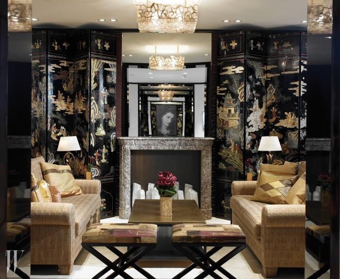 마드무아젤 샤넬의모든 상징들이 깃든그녀의 유서 깊은 아파트.