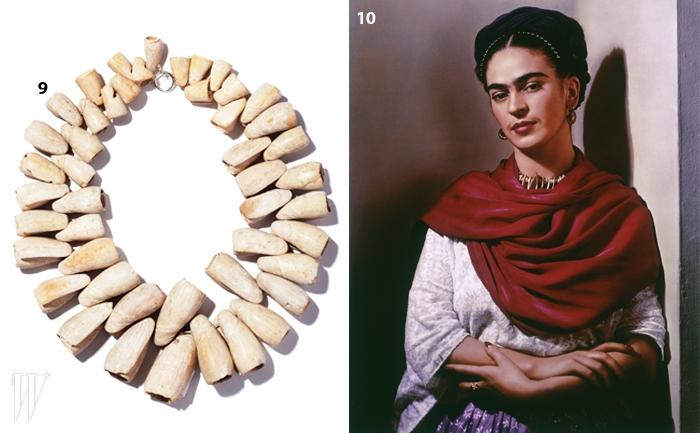 9. 갤러리 피아룩스가 주관하는 국내<프리다 칼로> 전시를 통해 선보일 그녀의 목걸이들.10.멕시코의 전통적인붉은색 숄을 두른 프리다의 포트레이트.
