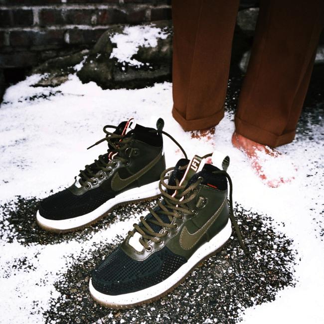 Nike Sneaker Boots in SEOUL