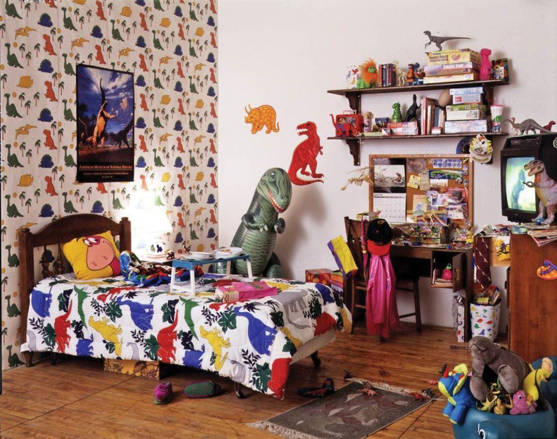 MOCA에서 열리는 전시, 에 선보인 아티스트 마크 디온의 설치 미술.