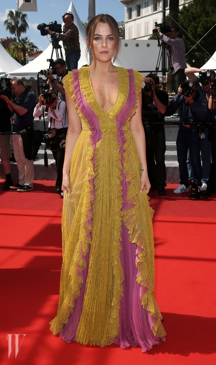 """CANNES, FRANCE - MAY 15: Riley Keough attends a screening of """"American Honey"""" at the annual 69th Cannes Film Festival at Palais des Festivals on May 15, 2016 in Cannes, France.  (Photo by Danny Martindale/FilmMagic)"""