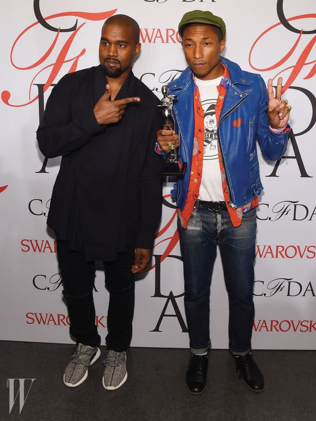 NEW YORK, NY - JUNE 01:  Rapper Kanye West and singer Pharrell Williams pose on the winners walk at the 2015 CFDA Fashion Awards at Alice Tully Hall at Lincoln Center on June 1, 2015 in New York City.  (Photo by Larry Busacca/Getty Images)