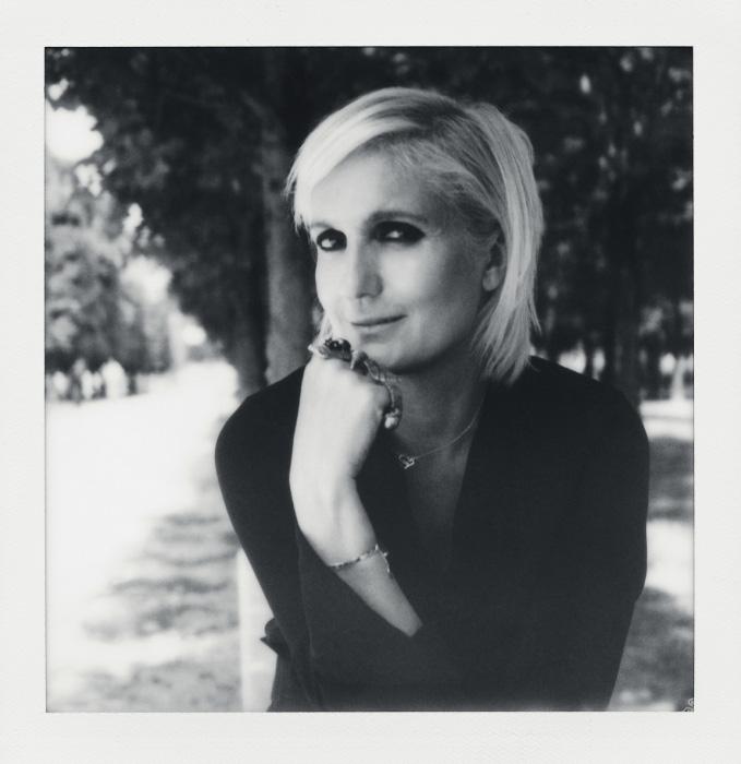 디올의 첫 여성 디자이너로 데뷔전을 펼친 마리아 그라치아 치우리.
