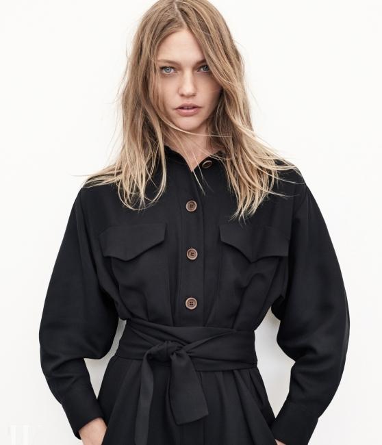 자라의 조인 라이프 컬렉션은 중성적인 실루엣이 특징이다.