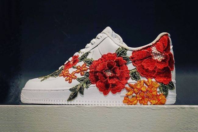 nike-air-force-1-flowerbomb-flower-embroidery-custom-gucci-ace-sneaker-01