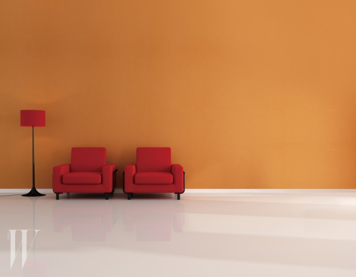 two velvet armchair in a empty living room - rendering
