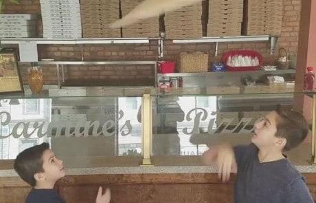 단번에 SNS 스타가 된 피자 보이즈
