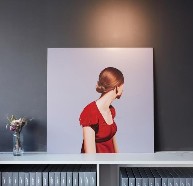 1. 사진과 회화 작업을 혼용해 묘한 뉘앙스를 만드는 Erin Cone의 'Reminisce'. 이 밖에도 여인을 여러 각도에서 바라본 작품들이 있다.