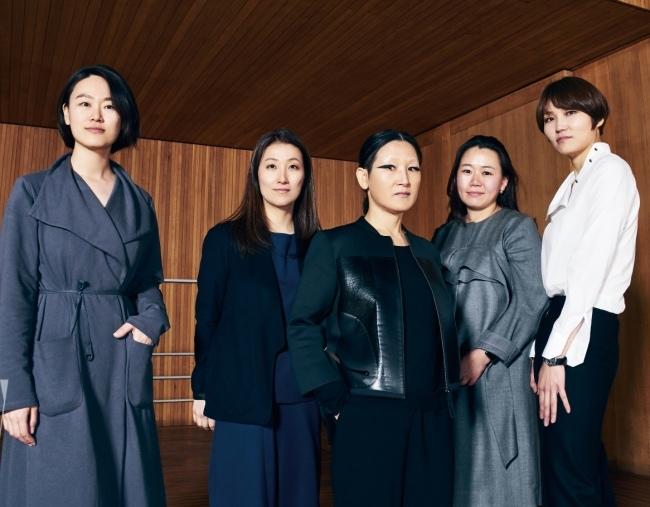 (왼쪽부터)디자이너 박소현,이재림,임선옥, 감선주, 박미선.