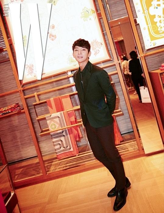 에르메스를 대표하는 1층의 실크 컬렉션 공간에서 만난 이준기.