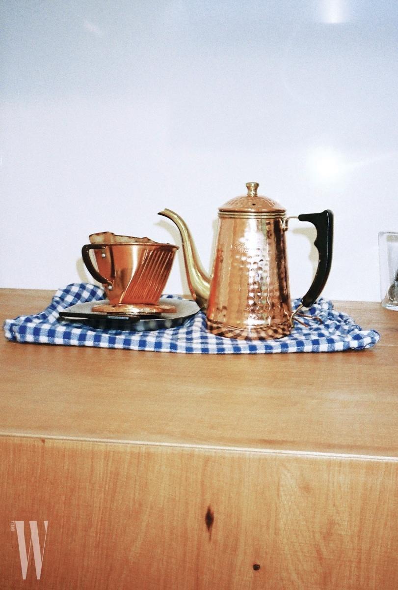 매일매일 칼리타의 드립 세트로 커피를 내려 마신다.
