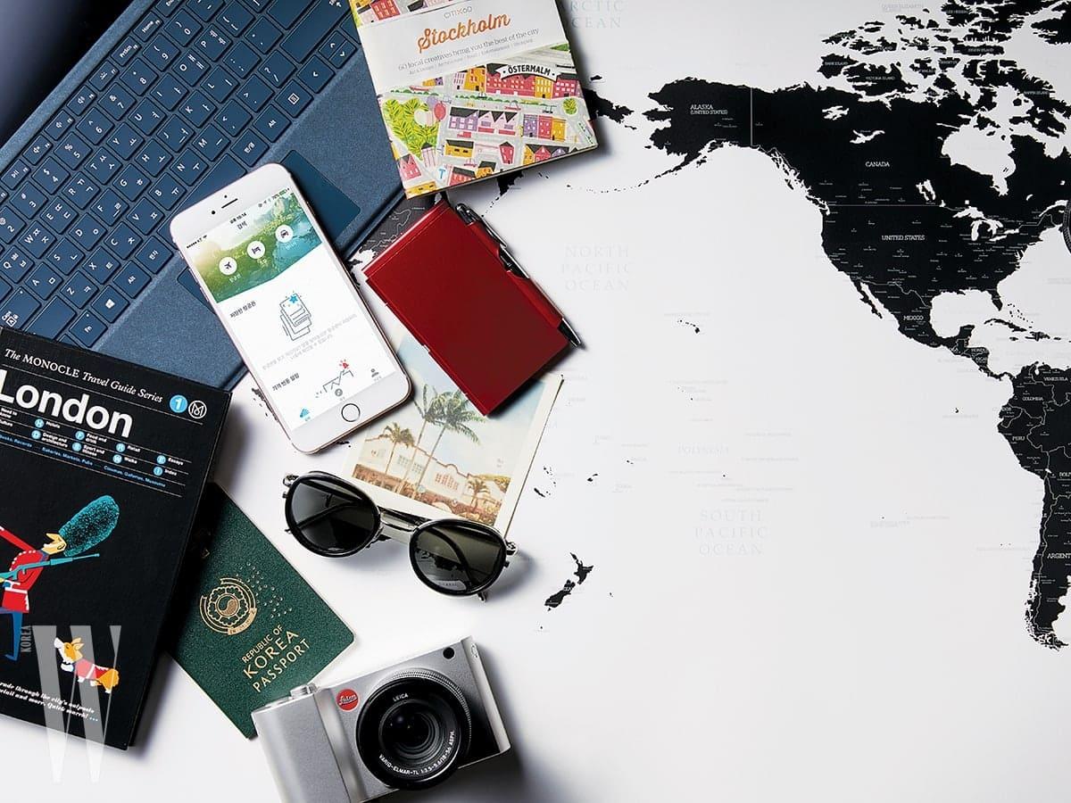 검사버튼 삭제버튼 전용 펜과 함께 태블릿PC처럼 쓸 수도 있는 노트북은 마이크로소프트의 서피스 프로, 영상 촬영에 강한 미러리스 카메라는  라이카의 TL2.