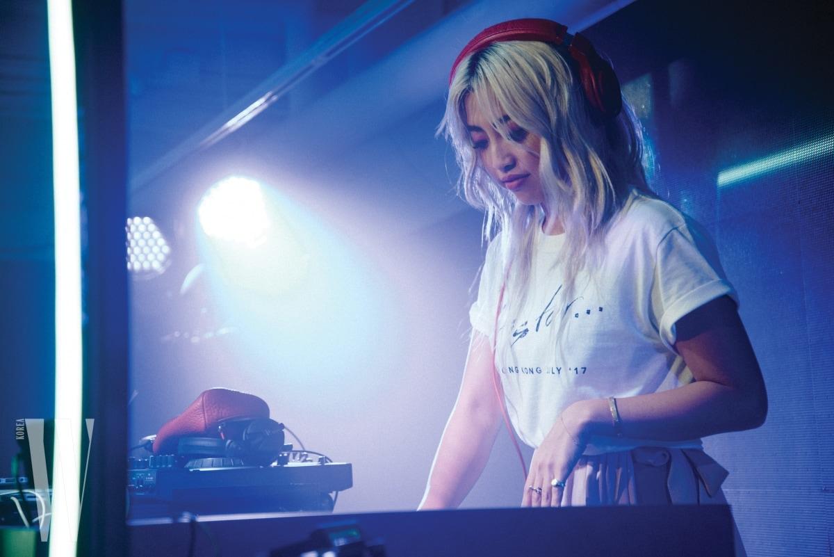 모델이자 패션 디자이너, 최근엔 DJ까지 영역을 넓힌 일본의 잇걸 알리사 우에노.