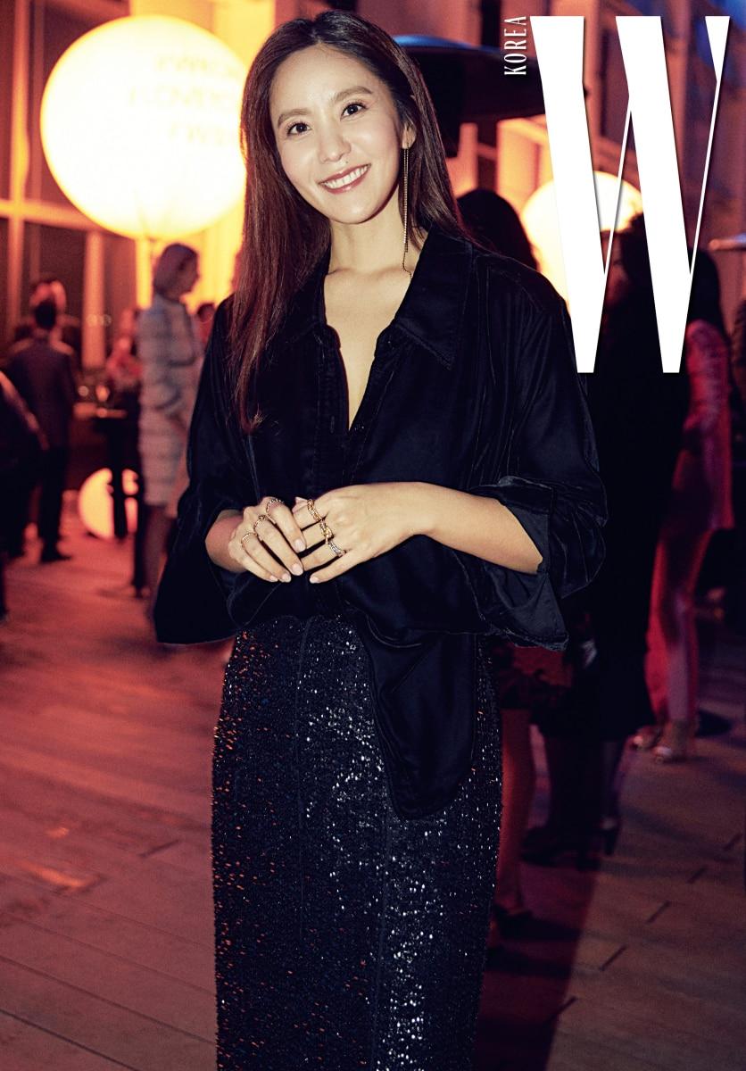 지적인 이미지의 방송인 박지윤도 지난 행사에 이어 밝은 모습으로 참석했다.