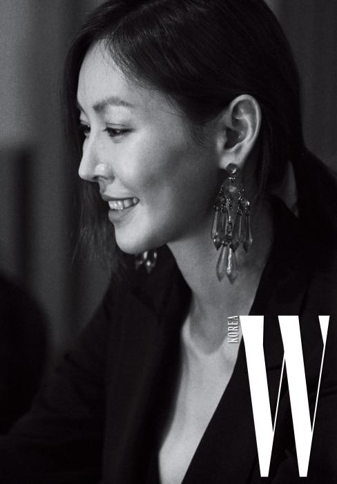 미소가 아름다운 배우 김소연.