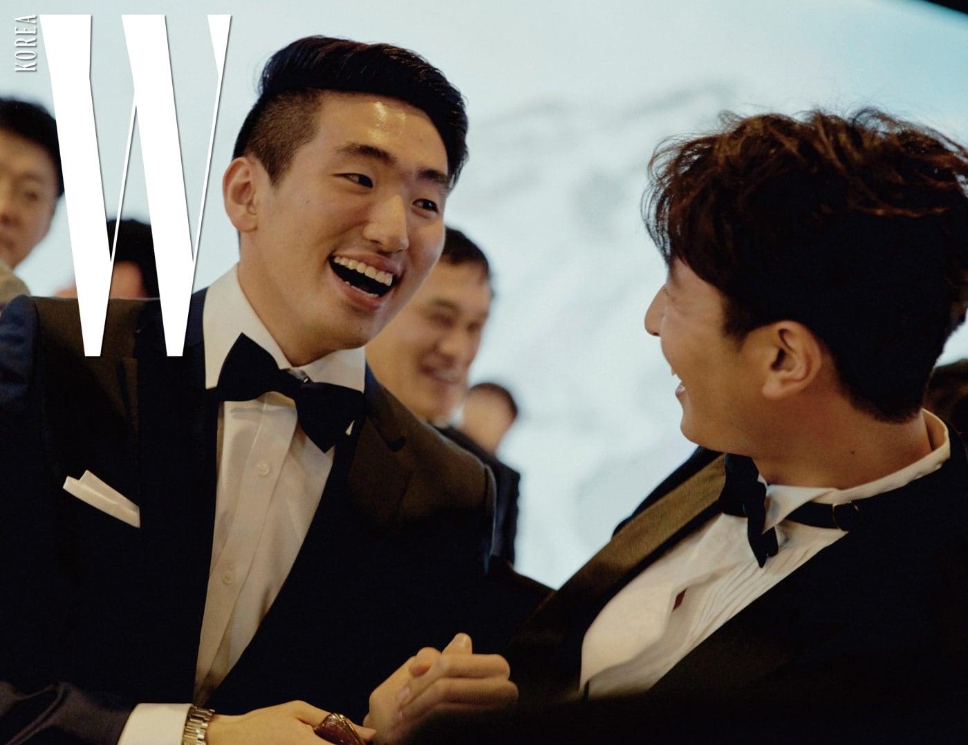 한국 펜싱 남자 에페의 '간판' 올림픽 금메달리스트 박상영 선수와 가수 정진운의 즐거운 한때.