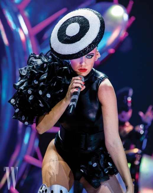 Katy Perry  WITNESS The Tour 03