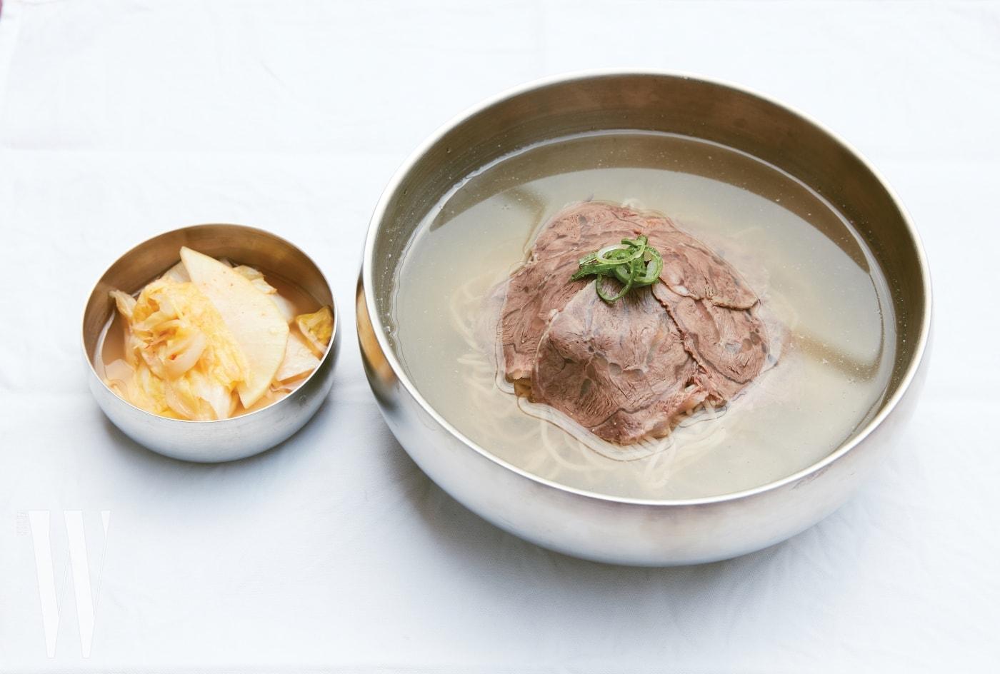 평화국밥의 평양냉면.