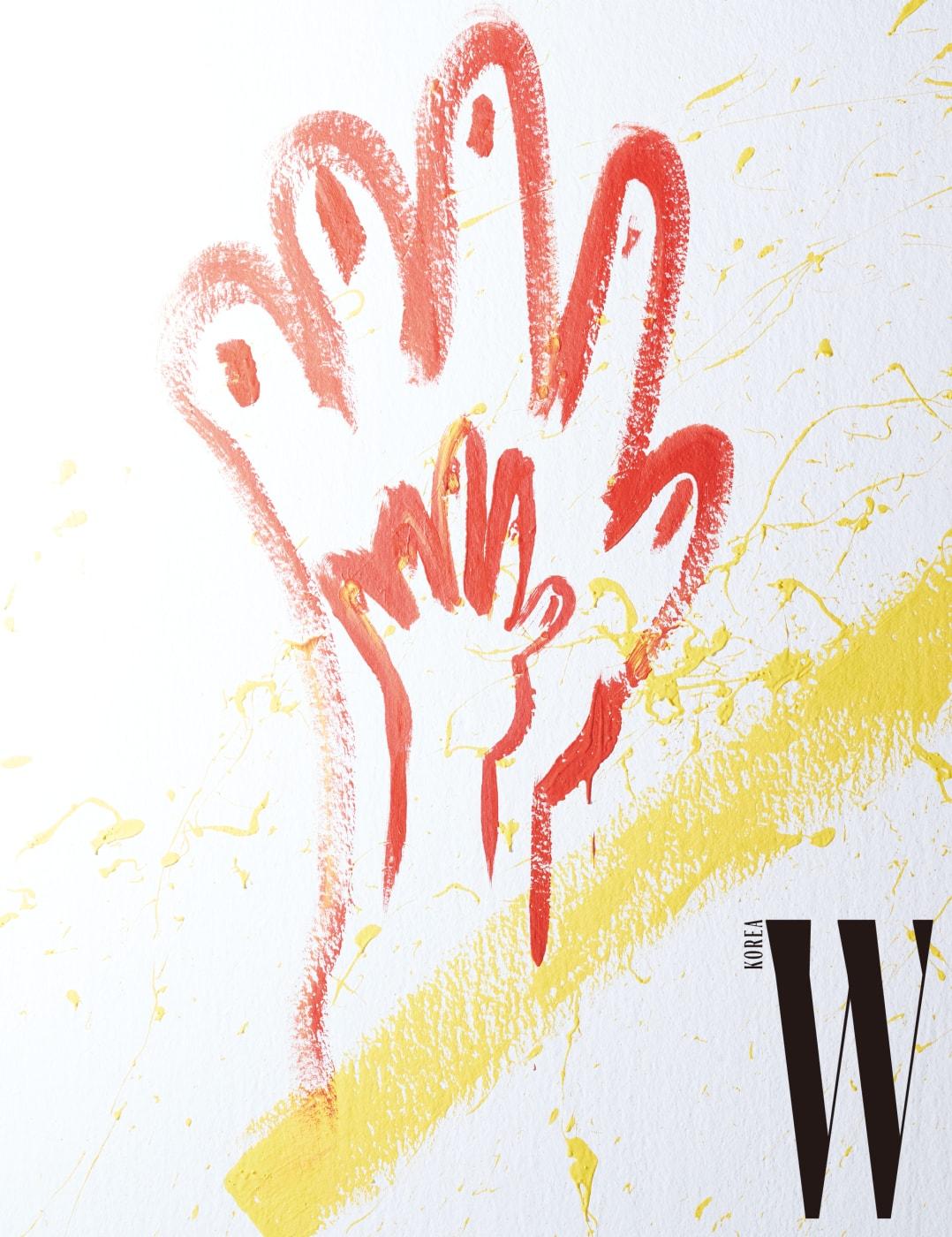 화보 촬영 중에 스튜디오 벽면에 라이브 페인팅으로 그린 그림.