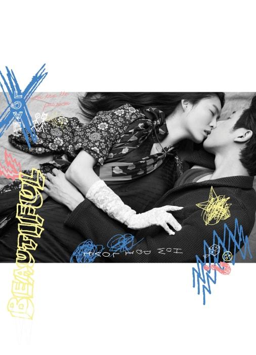 주선영이 입은 여러 무늬가 겹쳐진 꽃무늬 패턴 원피스와 스카프는 Balenciaga 제품. 박지운이 입은 슈트와 안에 입은 슬리브리스는 Ermenegildo Zegna 제품.