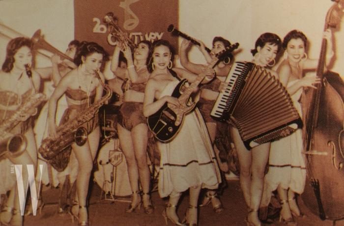 1959년_미8군 20세기쇼단 전속 9인조 여성 빅밴드 올스타
